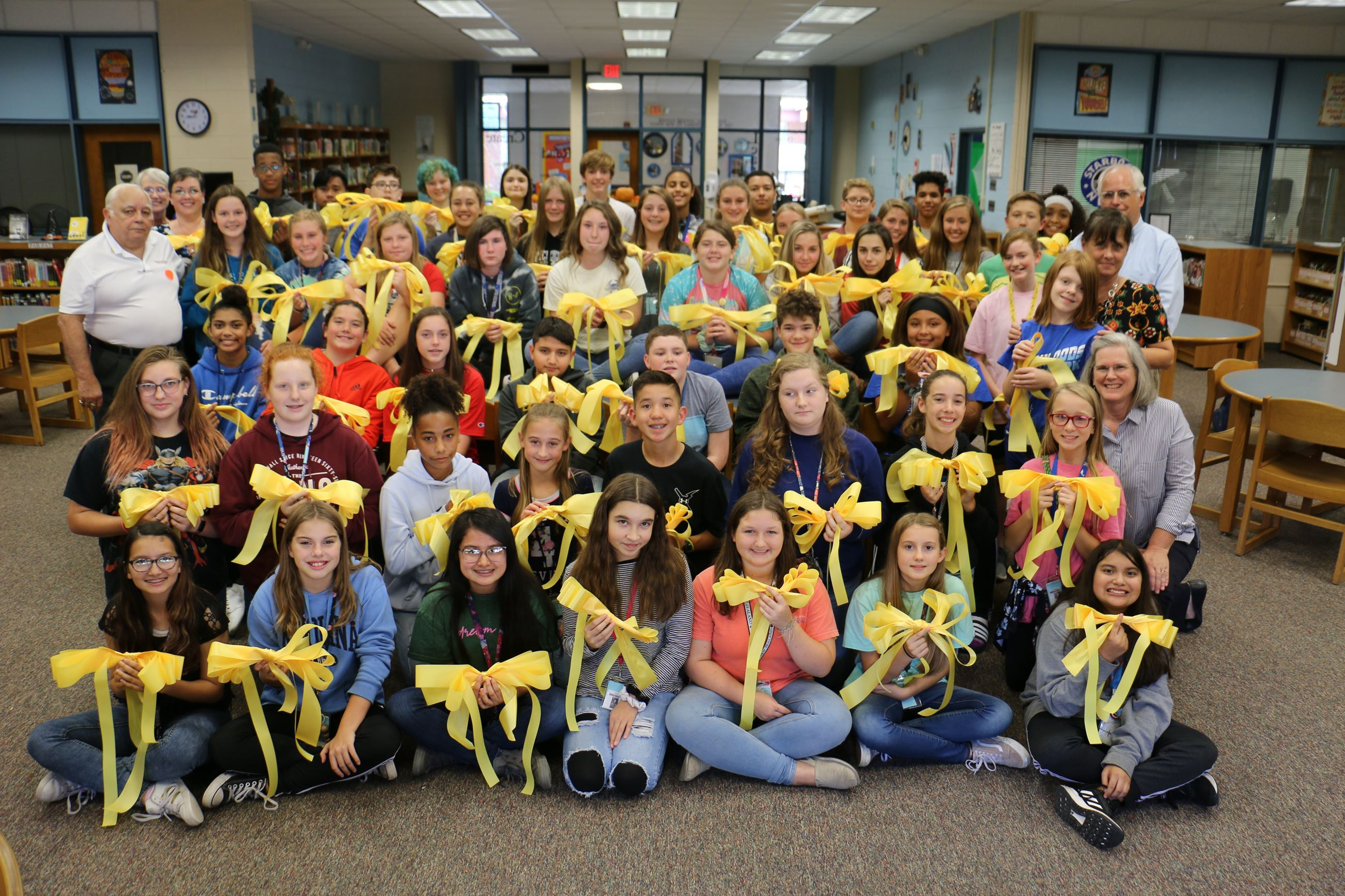 2019-10-NorthwoodsMiddle-YellowRibbons