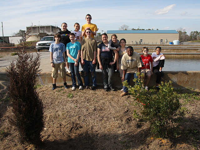 Students help plant trees at Sturgeon City